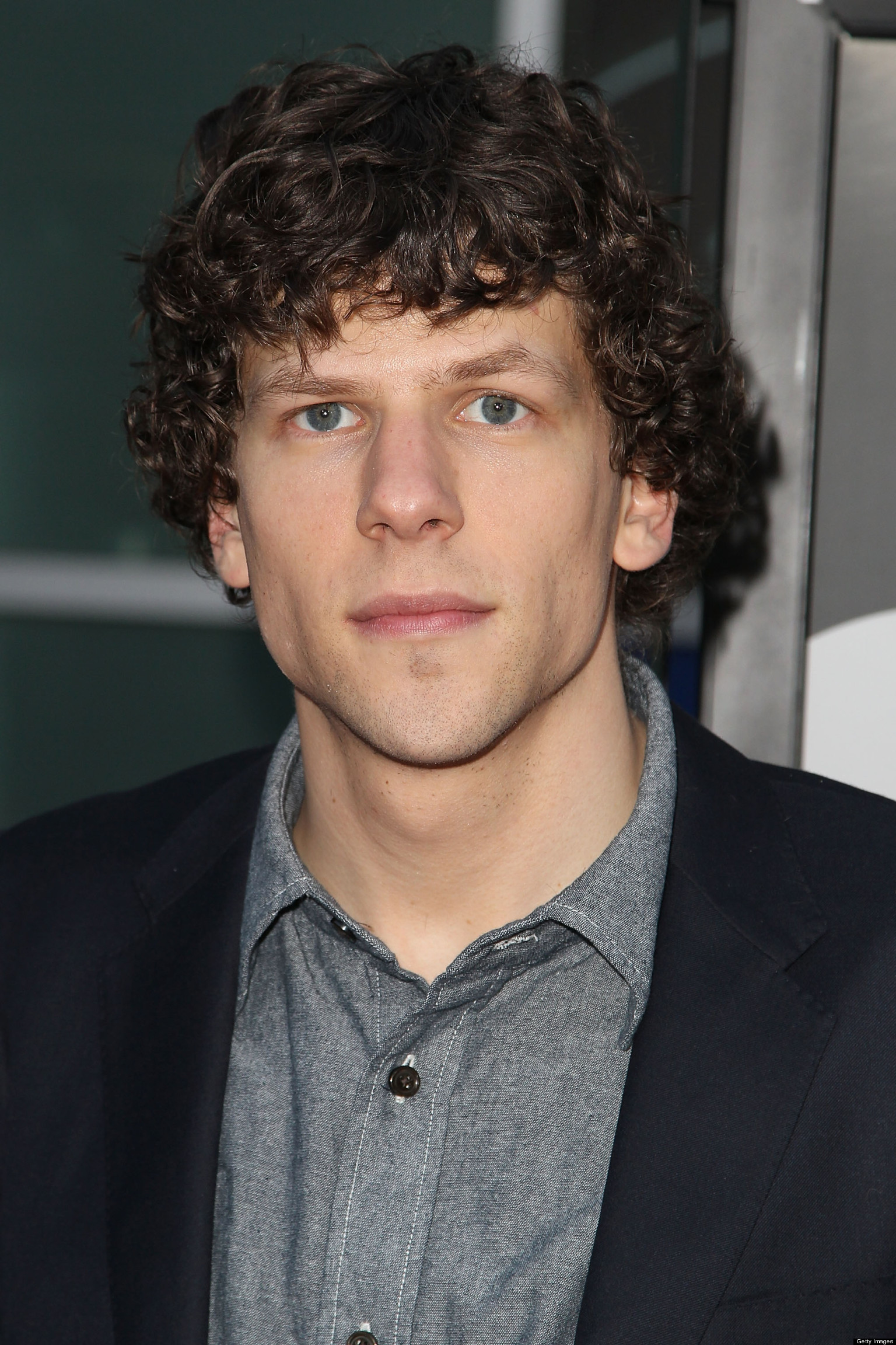 Jesse Eisenberg will play Super-villain Lex Luthor and Jeremy Irons will play Bruce Wayne's Butler Alfred Pennyworth in Warner Bros upcoming Batman/Superman ... - o-JESSE-EISENBERG-INTERVIEW-facebook