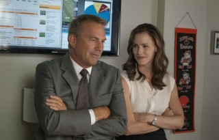 kevin-costner-and-jennifer-garner-try-to-fix-the-cleveland-browns-in-draft-day